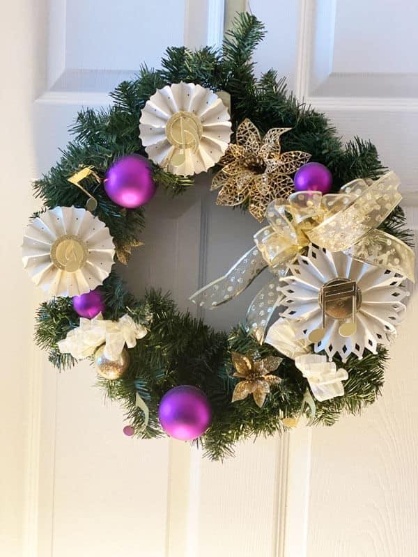 DIY Christmas Wreath With The Cricut