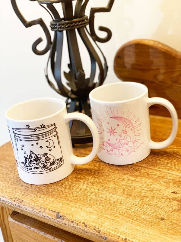 Read more about the article Making Mugs With The Cricut Mug Press