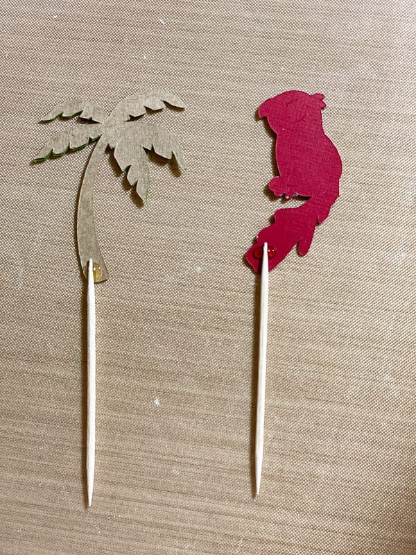 DIY Cupcake Toppers With The Cricut