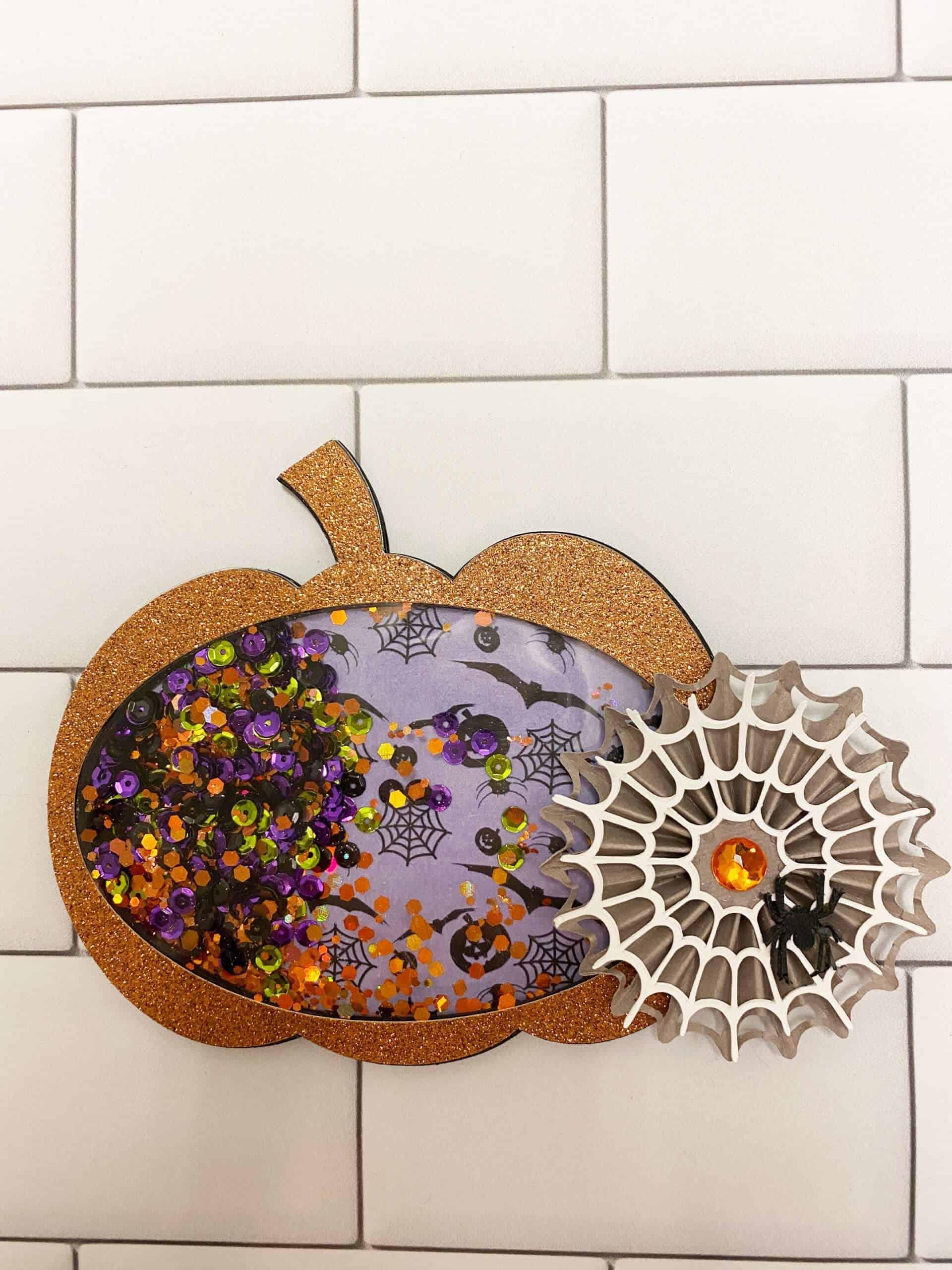 DIY Halloween Pumpkin Shaker With The Cricut