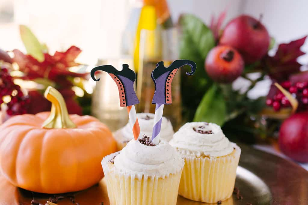 Cutest Little Halloween Cupcake Toppers Made With The Cricut