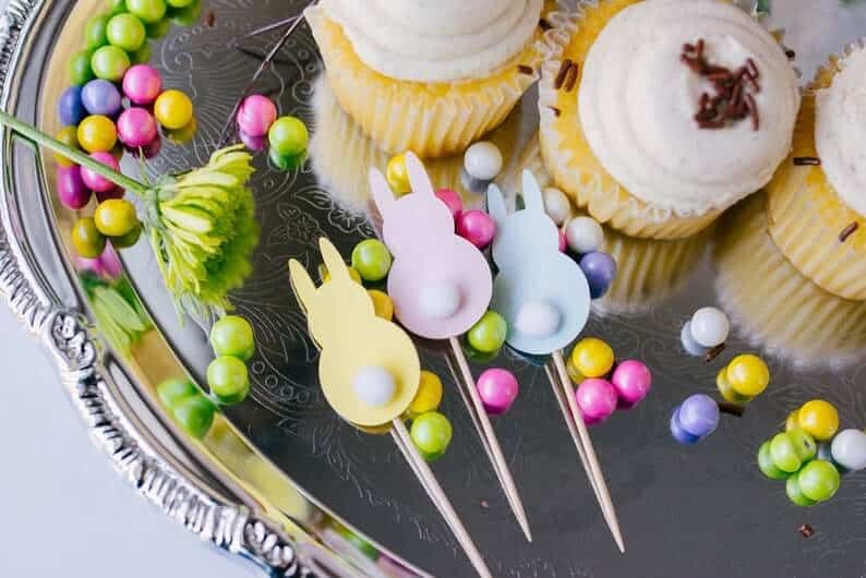 Read more about the article Last Minute DIY Cricut Easter Bunny Cupcake Toppers